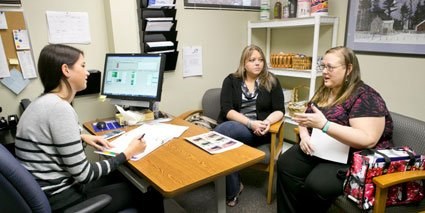 Marsha and Jessica meet with Dietitian Rachel Fargher