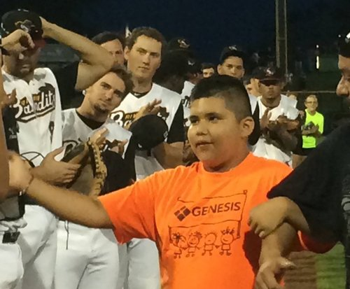 Cesar Marceleno being honored at 'Home Run for Life'